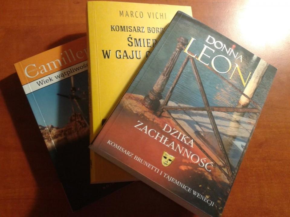 Trzech detektywów w biblioteczce, nie licząc Italii