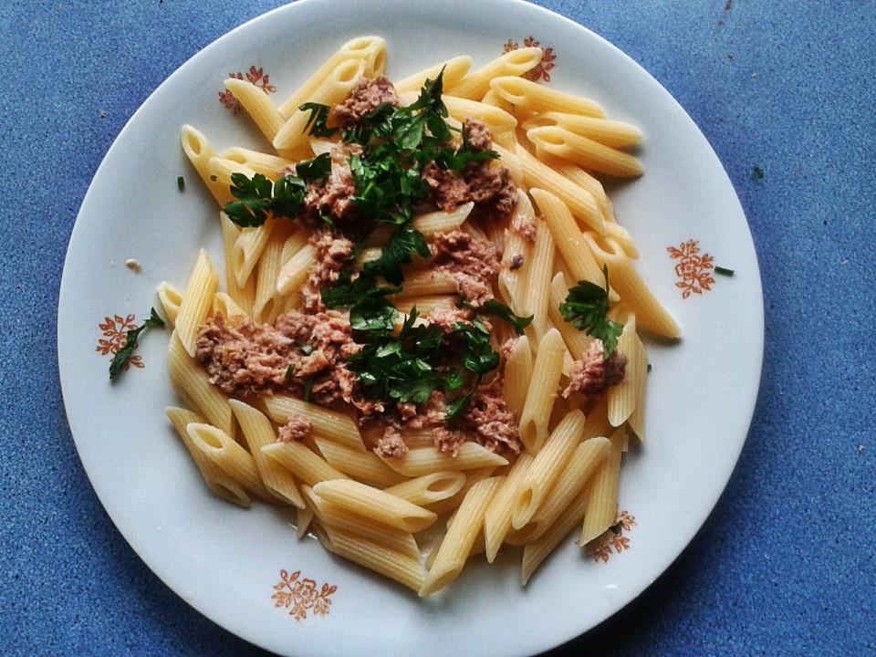 Pasta z tuńczykiem: przepis błyskawiczny