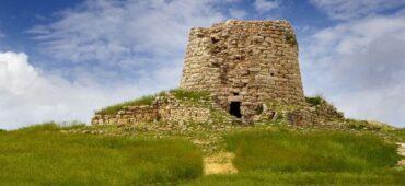 Sekret Sardynii – co to są nuraghi?