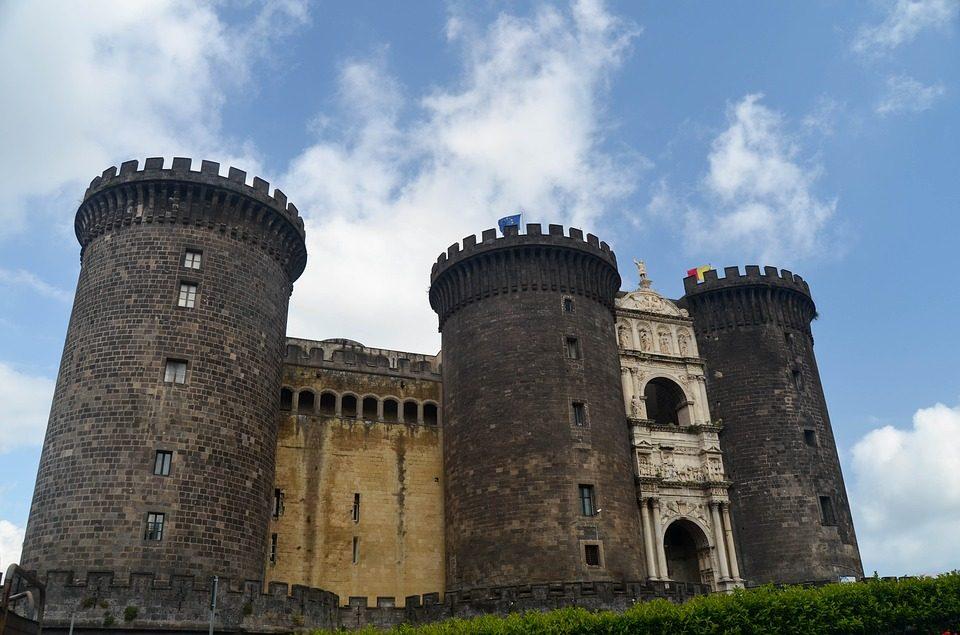 Dwa zamki w Neapolu