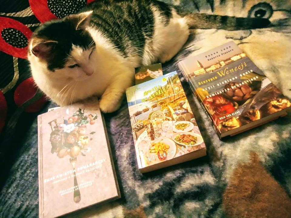 Literacko o kuchni, czyli książki poniekąd kucharskie